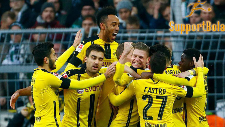 Aubameyang Ciptakan Dua Gol, Dortmund Taklukkan Gladbach 4-1