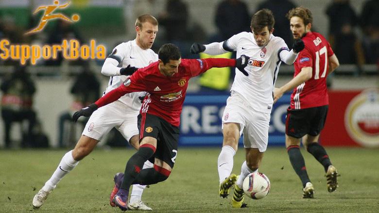 Gol Mkhitaryan dan Ibrahimovic Berhasil Loloskan MU