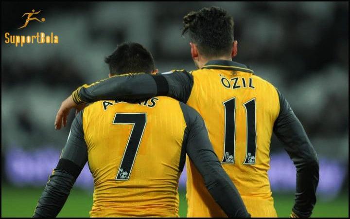 Mesut Ozil dilepas, Sanchez Tetap Pemain Terbaik Bagi Arsenal