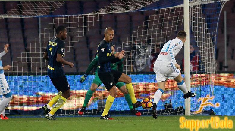 Napoli Berhasil Bungkam Inter Milan 3-0