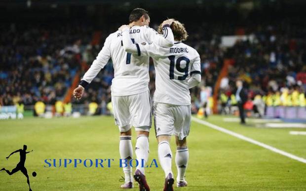 Nyatanya Bukan Ronaldo, Luka Modric Lah Pemain Idaman Fans Barca