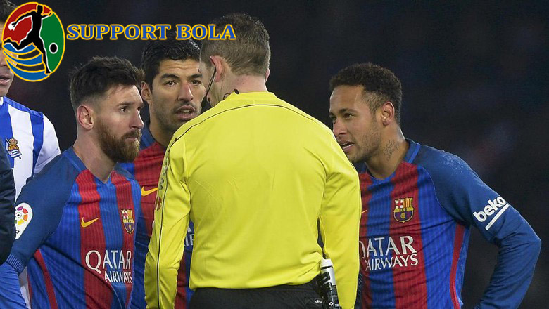 Gelandang Sociedad Ini Sebut Messi Harusnya Dapat Kartu Merah