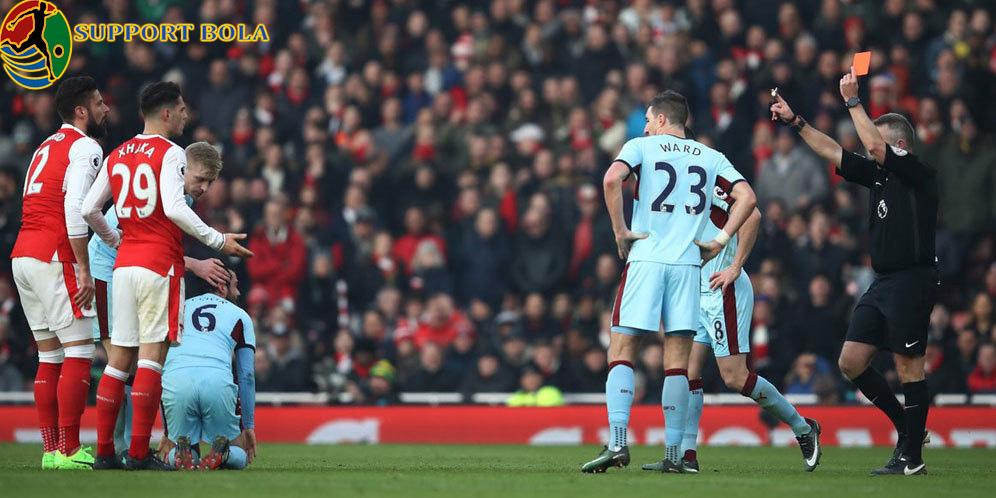 Dapat Kartu Merah Tak Mengurangi Ketangguhan Tim Arsenal