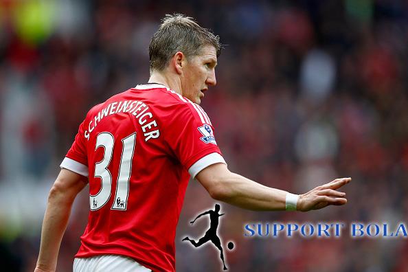 Schweinsteiger Akan Tetap Berada Di Manchester United