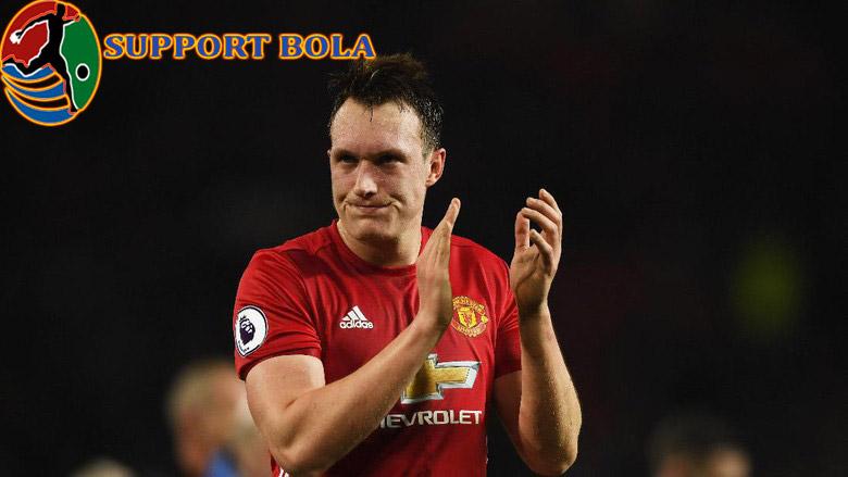 Jones Hanya Ingin Berterima Kasih Atas Kepercayaan Mourinho