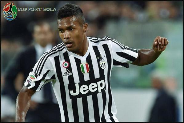 Bersiap Hadapi Porto, Alex Sandro Peringatkan Para Pemain Juventus