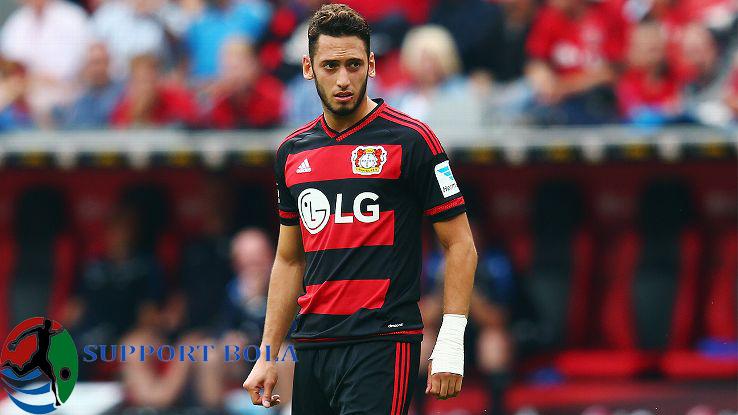 elandang Leverkusen Hakan Calhanoglu Harus Absen Hingga Akhir Musim