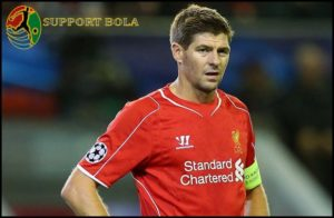 Steven Gerrard Desak Klopp Untuk Segera Beli Aubameyang